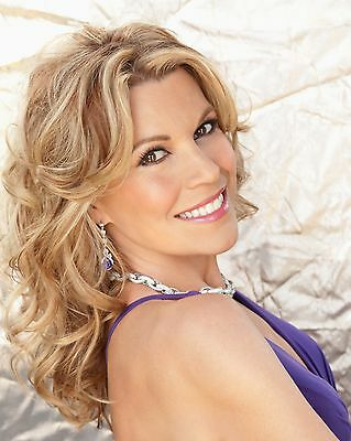 Vanna White / Wheel Of Fortune 8 x 10 / 8x10 GLOSSY Photo Picture IMAGE #3