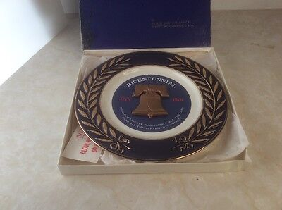 In Box Bicentennial Anniversary 1776-1976 Taylor, Smith & Taylor Collector Plate