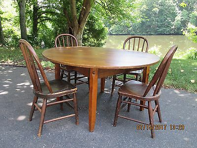 Vintage Solid Oak Round Childs Kindergarten Table and 4 Bentwood Spindle Chairs