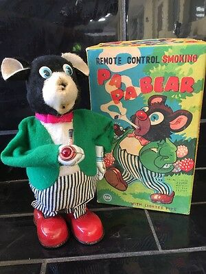 PA PA REMOTE CONTROL SMOKING BEAR battery Operated Vintage Tin Toy Original Box