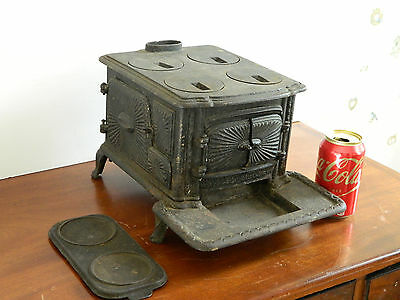 Antique Heavy Cast Iron Salesman Sample Cook Stove