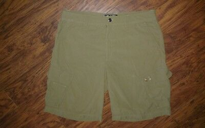 Under Armour Mens 36 Olive Cargo Shorts