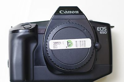 Canon EOS 650 AF 35mm SLR Film Camera in good working condition.