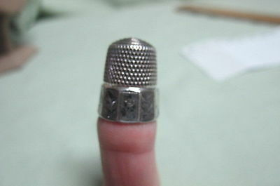 Antique Sterling Silver Fancy Thimble Sie 9