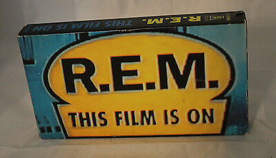 R.E.M. This Film Is On VHS Plays 1991 Vitnage