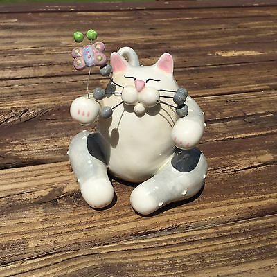 Amy Lacombe Annaco Creations Cat & Butterfly Figurine 2003 White & Gray Kitty