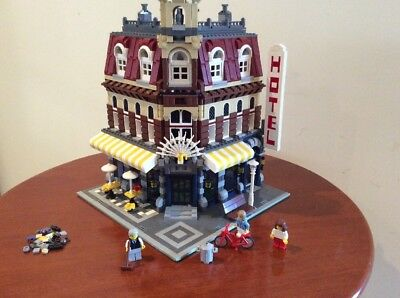 Lego 10182 Corner Cafe Complete With Spares