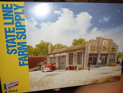 N scale Walthers Cornerstone Series Building State Line Farm Supply  #933-3808