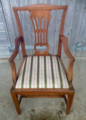 A Set Of 8 Edwardian Chippendale Style Mahogany Chairs