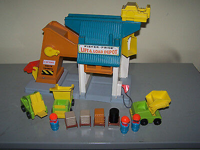 Fisher Price 942 Lift & Load Depot little People vintage USA 1976 funktionsfähig