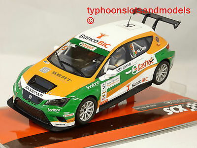 SCX/Scalextric A10205 Seat Leon Eurocup - Castrol - New & Boxed