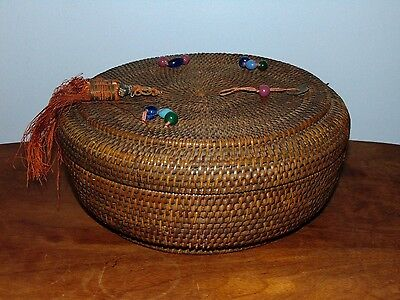 Antique Victorian Style Brown Sewing Basket With Lid And Notions Inside