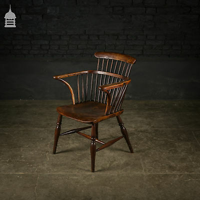 Stunning Elm Comb Back Windsor Chair with Stretcher – Circa 1800
