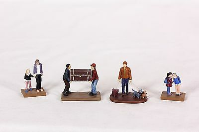 """Small Group Of People For Model Trains Village Composite material 1 1/4"""" Tall"""