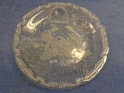 Madonna & Child 15-1/2 inch glass plate from Mikasa in box (C-559)