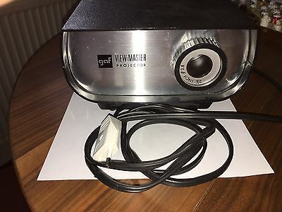 GAF View-Master 100 Deluxe Projector