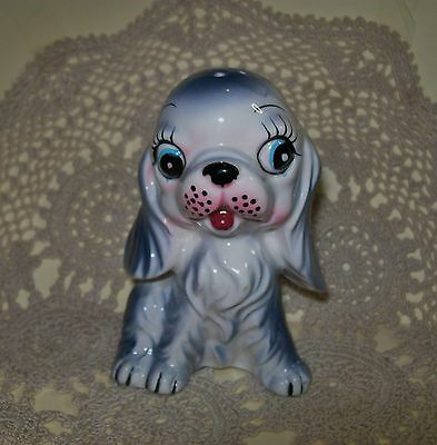 LGE VINTAGE c.1950s CERAMIC KITSCH GREY/WHITE DOG PEPPER or SALT SHAKER 10cm