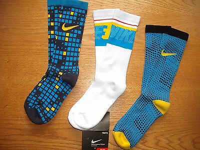 Boys NWT NIKE Crew Socks 3prs Multi-Blue White Yellow MICRO-DOTS YSM Ages 4-6