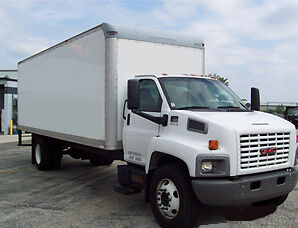 2007 Gmc 7500 ~ 24Ft Box Truck  ~ Lift Gate ~ Low Miles ~ Duramax Diesel