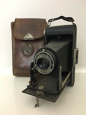 Vintage Kodak Folding Brownie Six-20 Camera & Case. Made In Britain Collectable.