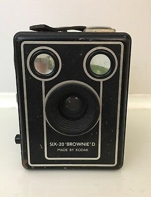 Vintage Kodak Camera Six-20 Brownie D Box Camera Collectable.