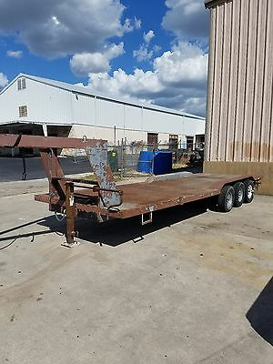 Tiny House, Goose Neck Trailer,  Tri-Axle, 25 ft. L x 8 ft. W, DPlate, E-Brakes