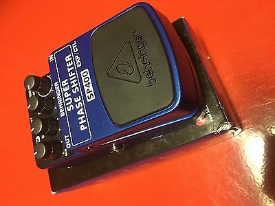 BEHRINGER ULTIMATE SUPER PHASE SHIFTER SP400 effect pedal