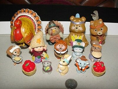 Lot of 14 - THANKSGIVING DAY - Hallmark Merry Miniatures - figurines