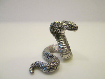 Figurine miniature: Cobra. Solid silver.