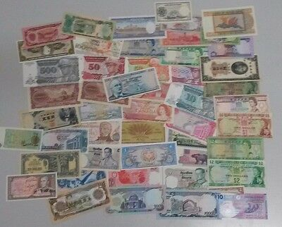 World Banknotes - Bulk Lot of 50 World Banknotes Circulated to Unc Notes Set # 8