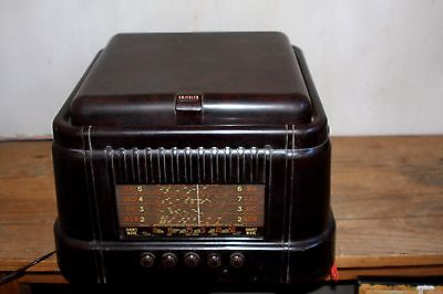 1950  Kriesler Bakelite Radio - Shortwave with Built in Gramophone