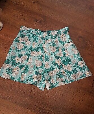 girls New Look mint green floral shorts. age 13