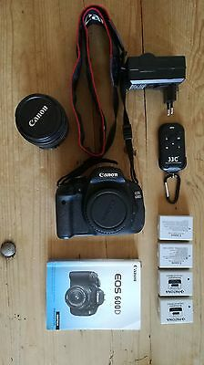 Canon EOS 600D 18.0 MP SLR-Digitalkamera mit 18-55mm 3.5-5.6 Kitobjektiv