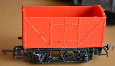 Triang / Hornby OO Red Wagon