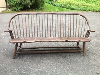 Rare Early Hunt Country Furniture Oak & Pine Windsor Settle Circa 1930S