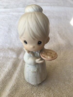 """Precious Moments Figurine """"May You Have The Sweetest Christmas"""" W/ Box"""
