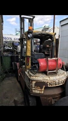 Nissan 30 5T Fork Lift Gas And Fuel