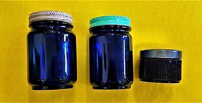 Nice Clean Vintage Lot Of Cobalt Blue Glass Jars With Lids - Vicks And Avon !!!