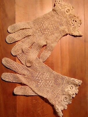 Ladies Vintage Antique Cotton Crochet Beige Gloves Flowers Rosettes EXCELLENT