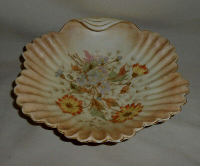 Antique Rudolstadt Shell Shaped Dish flower and Goldtone Accents