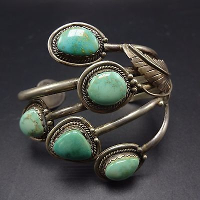 Gorgeous Vintage NAVAJO Sterling Silver & Light Green TURQUOISE Cuff BRACELET