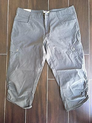 Woolrich Hiking capri, hiking pants, Women size 8, New With Tags