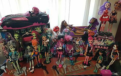 24 Monster High Dolls (Mattel) and accessories