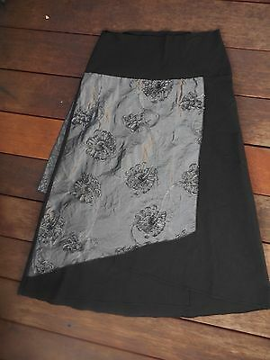 THOMPSON size L black & grey layer skirt