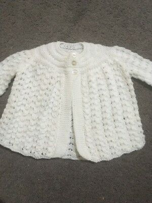 Baby Girls Or Boys Long Sleeve White Hand Knitted Cardigan Size 000 EUC