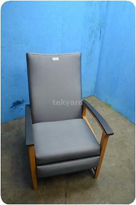 Hospital Recliner / Chair ! (134777)