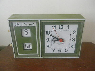 Vintage Westclox Electric Time & Date Clock  1960's Retro Green