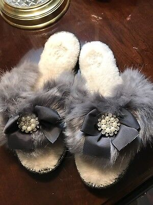 PY Women's Size 8-9 Grey Furry Flip Flop Slippers. Rhinestones And Ribbons New