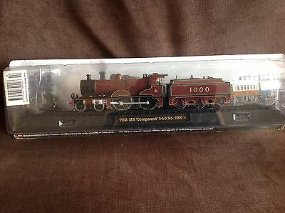 Model train collection 1902 MR COMPOUND No 1000 on railway display stand