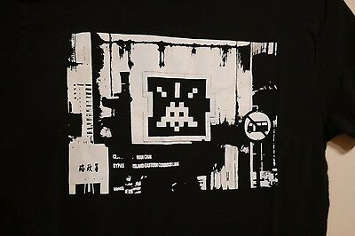 Space Invader Wipe Out 2015 t-shirt Size SMALL fits like XS